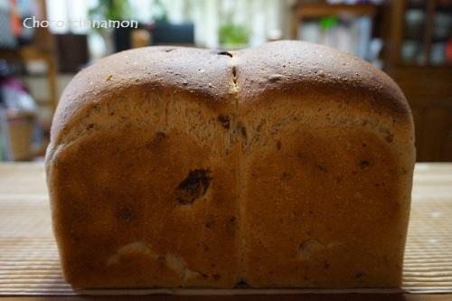 自家製酵母パンはレーズン食パン.JPG